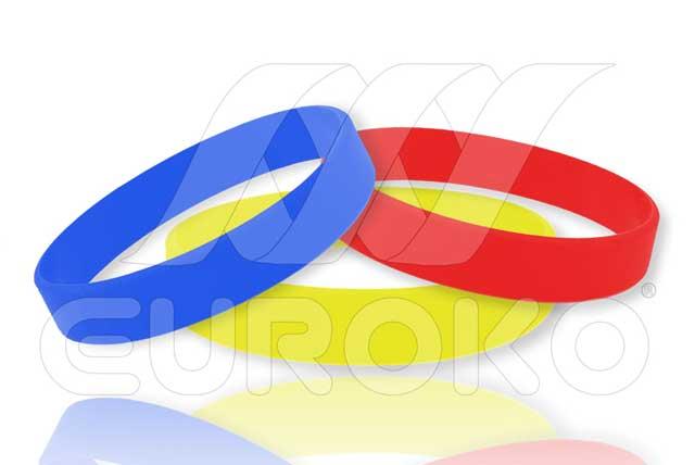 Egyszínű szilikon csuklópánt felirat nélkül